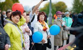 На субботнике в Коломенском в память о Лужкове москвичи посадили новыйсад